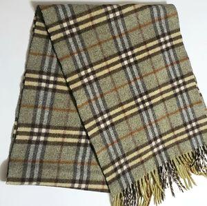 Burberry Cashmere Classic Green Nova Check scarf